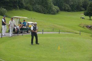 Укладка газона на поле для гольфа